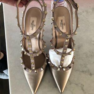 Brand new gold Valentino rock stud heels
